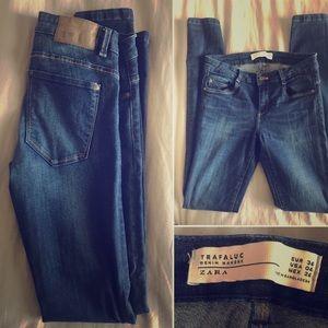 Zara Skinny Jeans size 26 (US 04, EUR 36)
